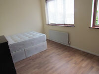 LARGE DOUBLE ROOM TO RENT IN A HAINAULT * IG6 3EW *** LESS DEPOSIT REQUIRED