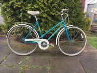 Raleigh Universal Ladies Vintage Town Bike