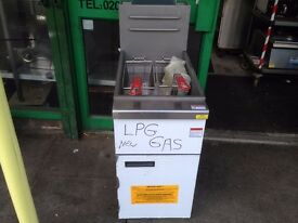 NEW LPG OUT DOOR GAS FRYER TWIN BASKET CATERING COMMERCIAL FAST FOOD CHICKEN KEBAB FISH CHIPS BAR