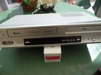 VHS COMBI VIDEO PLAYER/RECORDER 6 HEADS NICAM HI-FI STEREO WITH REMOTE & MANUAL