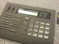Roland R8 Drum Machine + 808/909 Cards