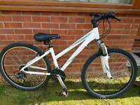 Ladies giant, lightweight aluminium small frame mountain bike