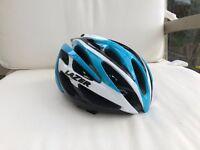 Lazer O2 road bike helmet, medium in blue