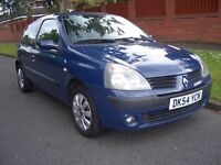 2004 RENAULT CLIO EXTREME 3 1.1LTR CD player 12 MONTHS MOT VERY CLEAN CAR !