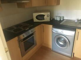One bedroom flat apartment close to hull royal infirmary part furnished