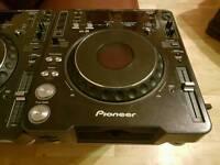 Pair Pioneer CDJ MK 3 dj CD MP3 turntable decks