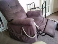 Electric riser/recliner chair