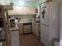 Specious Single & Double Room Available For Females/Couples with No Agency Fees in Dagenham