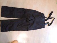 Ski salopettes Age 7/8 Trespass. Black. Very good condition