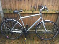 Raleigh Pioneer 1 Mens Hybrid Bike