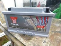 CAR BATTERY 12 volt YUASA 800 amp AS NEW CONDITION COST £120