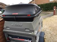 Erde 122 trailer with roof box