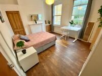 GREAT ROOM NEXT TO Canary Wharf! GARDEN AND LIVING ROOM! E14 0AD