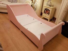 Gorgeous sleigh junior bed