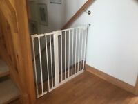 Stair gate, full adjustable, non marking, White painted