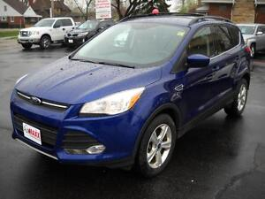 2014 FORD ESCAPE SE ECOBOOST- HEATED FRONT SEATS, BLUETOOTH, SAT