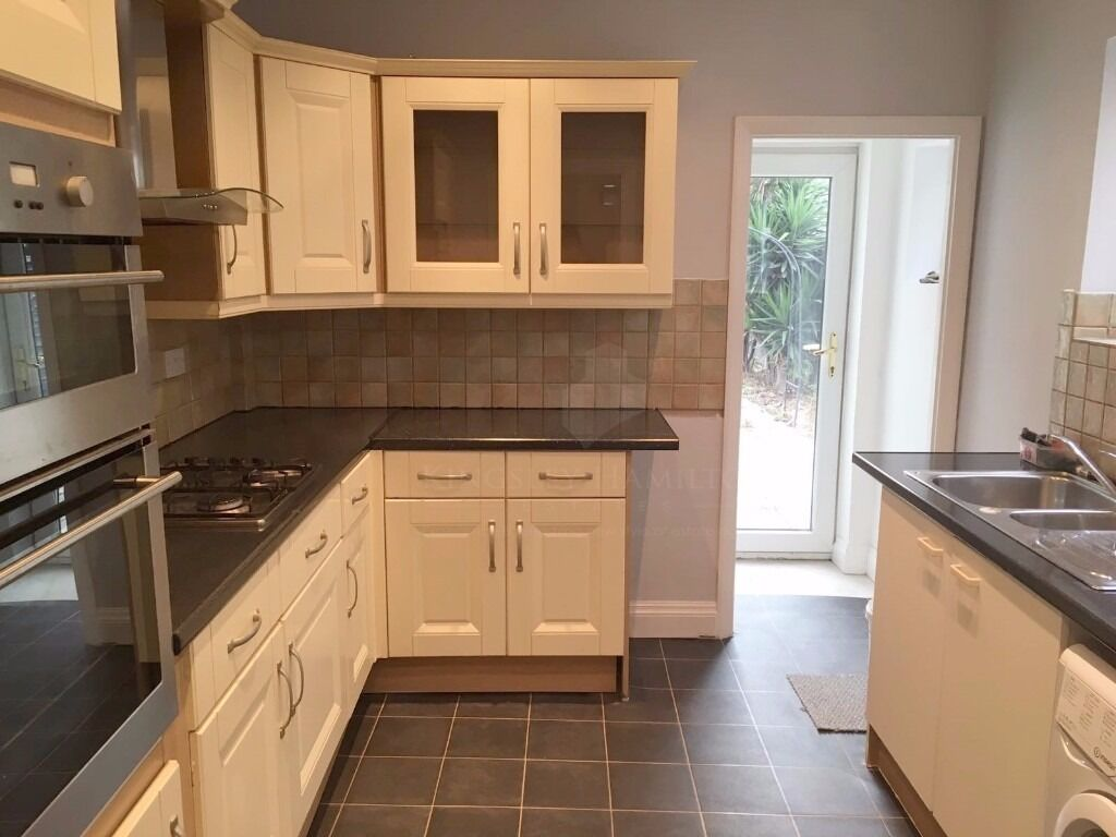 3 BED PROPERTY FOR 390PW !!!! NO REFERENCES FEES! DON'T MISS OUT !!!