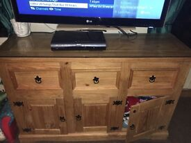 Solid wood unit with glass top