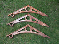 3 architectural cast iron brackets