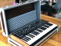 Mopho x4 analog poly synth with THON HARD CASE