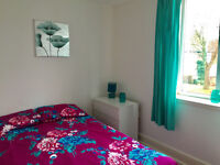 SELF-CONTAINED STUDIO TO LET FOR£105PW