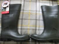 PAIR OF DUNLOP PUROFORT PROFESSIONAL BOOTS BRAND NEW BOXED SIZE 4