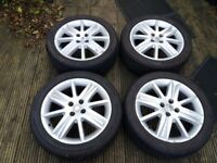 Renault Megane Alloy wheels with 205/50/17 tyres