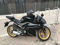 YZFR125 BLACK AND GOLD