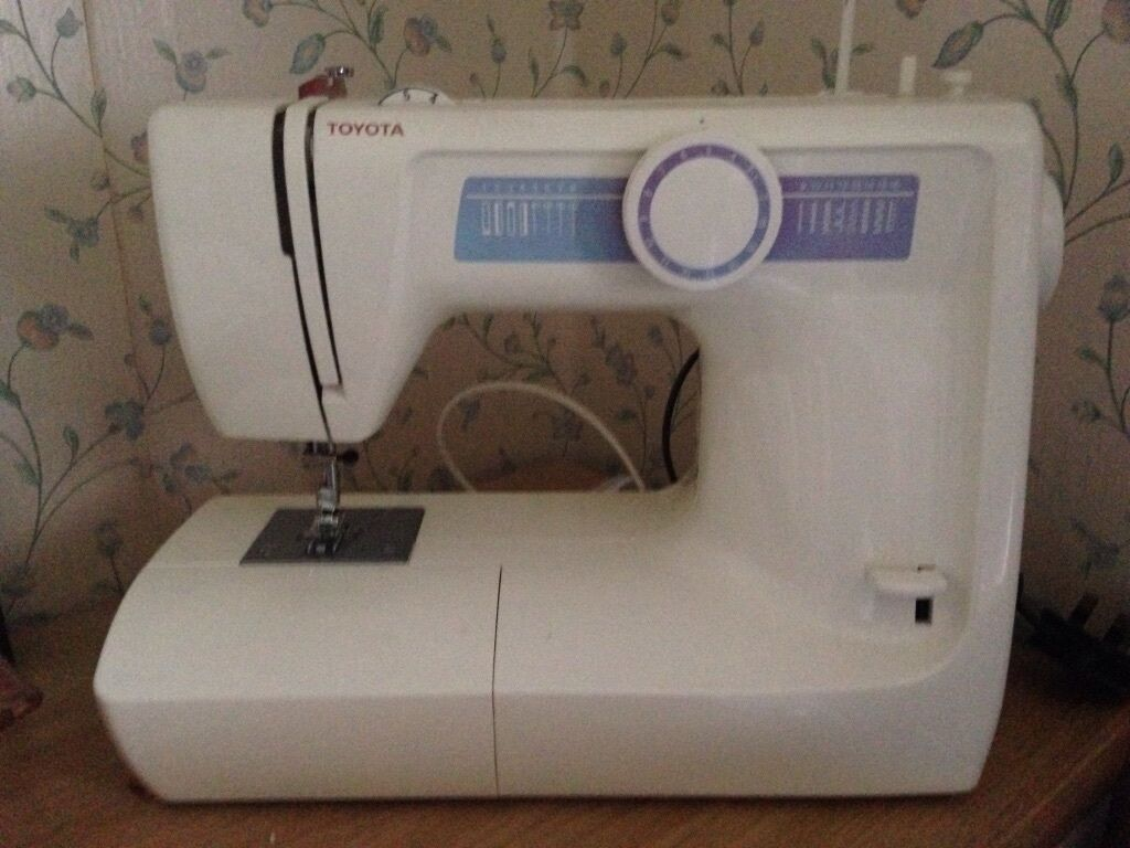 Sewing machine toyota model kb03 rs2000 in sheffield for Machine a coudre toyota rs2000