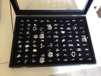 Jewellery rings, 95 silver plate rings with display box