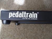 Pedaltrain Metro 24 pedalboard with hard case