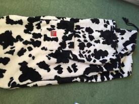 Buggysnuggle in cow print fleece