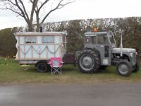 TRACTOR VINTAGE/CLASSIC/including vintage living tow-able wagon