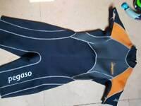 Pegaso short wetsuit medium