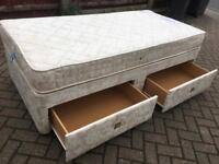 Kingsize divan bed with drawers-£70 delivered