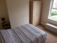 Room to rent in an ideal location of the Crosby North Liverpool. Rail and bus within 5-10 min walk