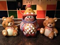 CERAMIC CLOWN CHILDREN'S BEDSIDE LAMP PLUS TWO TEDDY BEARS BOOKENDS