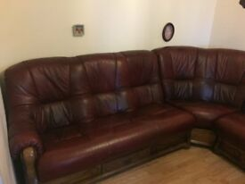 leather and oak corner suite reduced 400.00