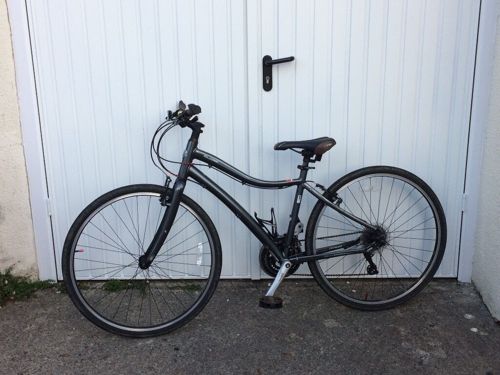 Ladies Specialized Globe Vienna 3 Hybrid Bike In Dinas Powys