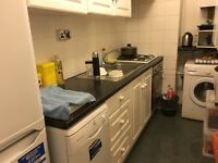 bright single room to let@ NW1 6RT central london location zone 1 some bills inclusive available now