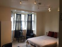 Double Room in a Wonderful Flat Great Location Zone 2 Available! ALL BILLS INCLUDED!BG-1; W12