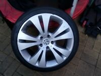 vw golf 5 stud 225/40 r18 alloy wheel and good tyre