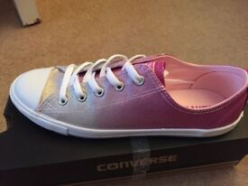 Ladies new converse size 6.