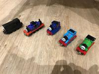 Thomas take and play engines