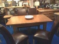 Extending Oak 4-6 Place Dining Table 140-180 cm C/with 4 Dining Chairs