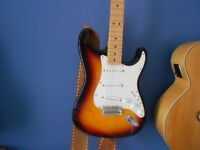 sunburst fender stratocaster mim ,good condition,with brand new fitted case