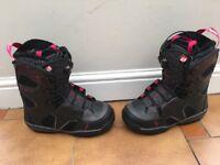 Salomon Snowboarding Boots - Size 6 - excellent conditions