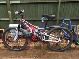 """Mountain bike 24"""" wheels disc brake £40. Isleworth"""