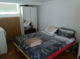 Great double bedroom in Paddington
