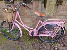 Dutch vintage style ladies' bike